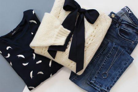 Look féminin et classique jean pull à noeud et blouse noire