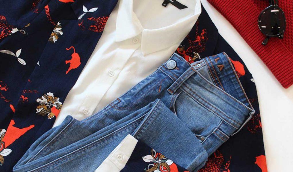 Look classique chemise blanche blazer imprimés et jean
